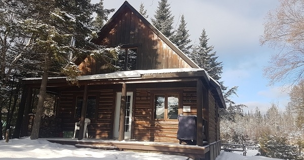 Concours Gagnez un séjour de 2 nuits pour 2 adultes dans un chalets de luxe à la Pourvoirie du Lac Berval!