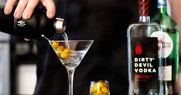 Concours Gagnez une trousse de SURVIE à Martini Dirty Devil Vodka!